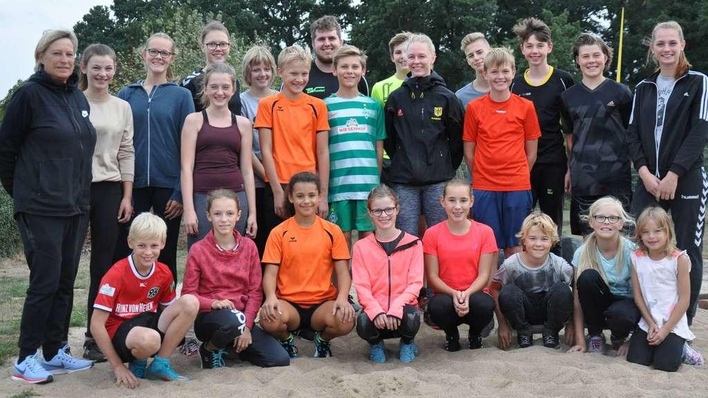 https://www.kreiszeitung.de/sport/lokalsport/kreis-diepholz/deutsche-meisterin-eckhardt-stippvisite-heimat-10232999.html